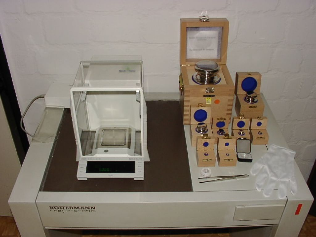Mettler Toledo AT200 Analysenwaage  Max 205gr