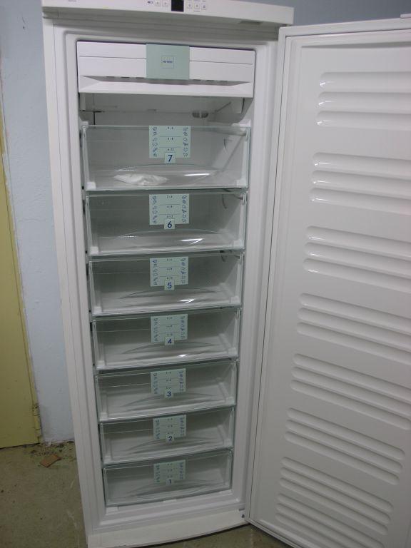 liebherr upright freezer no frost gnp 3376 20. Black Bedroom Furniture Sets. Home Design Ideas