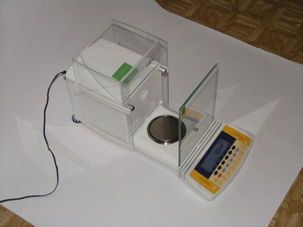 Sartorius ME215S-0CE Analytical Balance  LEGAL FOR TRADE
