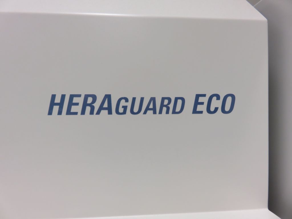 Thermo Heraguard Eco 1.8 Cleanbench with horizontal Airflow
